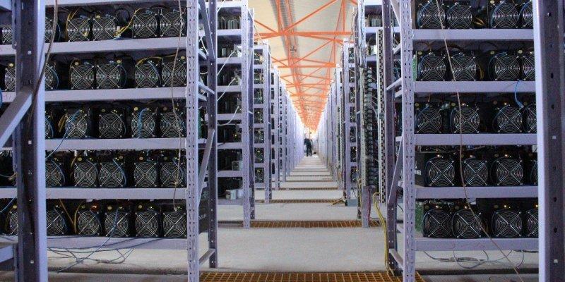 Майнинг биткоинов опасен для мировой экономики