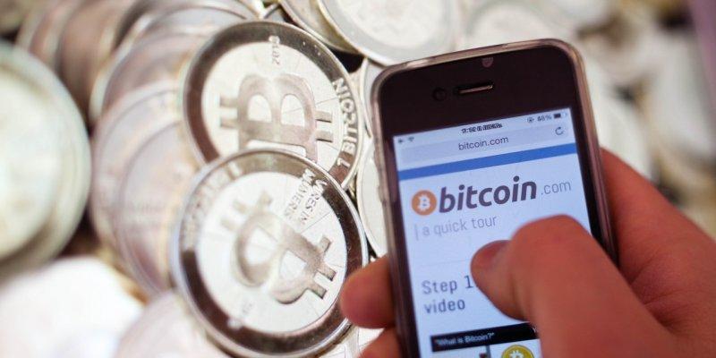 Банки начинают принимать международные платежи в биткоинах